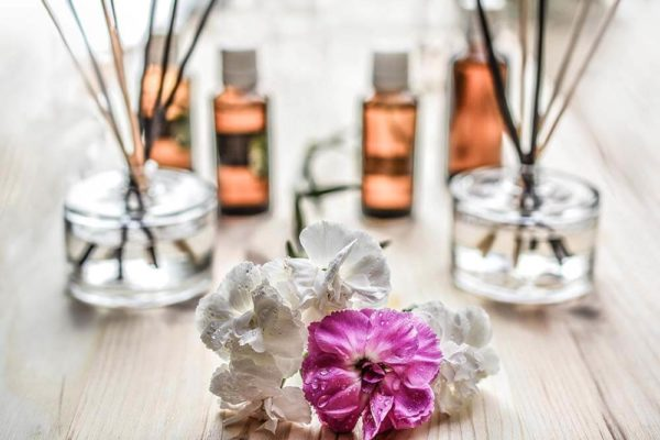 8-ways-to-make-your-house-smell-amazing-during-the-holidays
